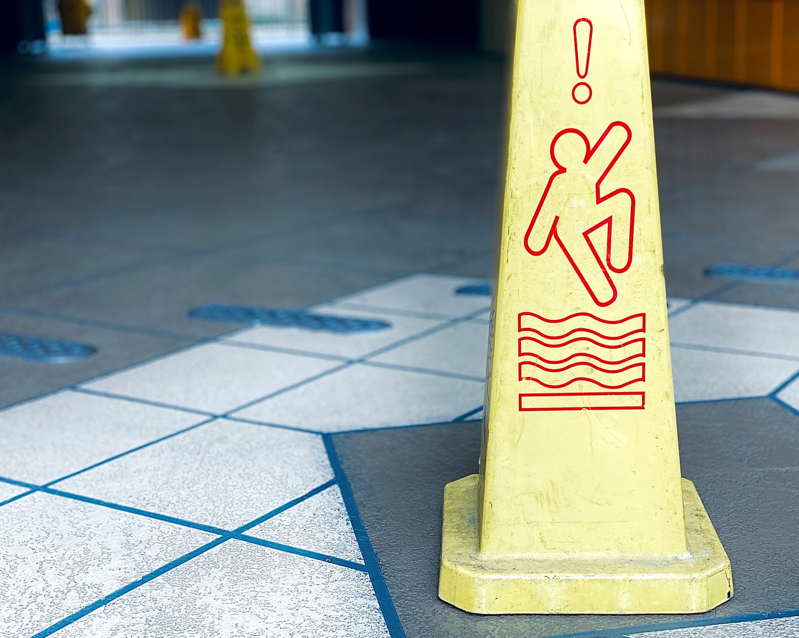 How Much Can I Get for Slip and Fall Settlement in California?